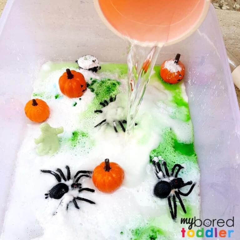 Fizzing science sensory bin experiment for Halloween