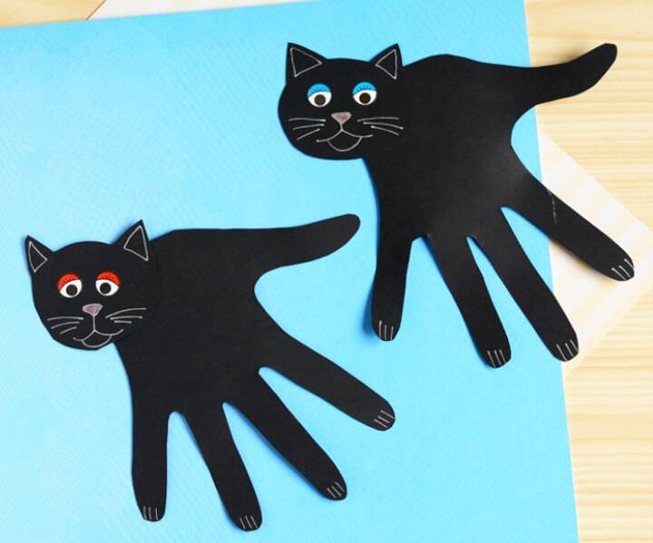 Black cat Halloween handprint craft