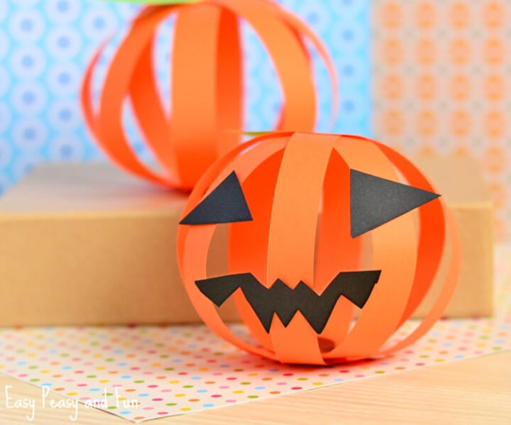 Easy Halloween idea paper pumpkin
