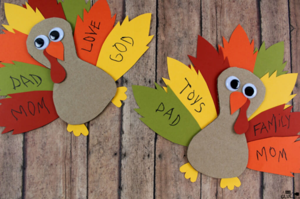 thankful turkey craft made with paper