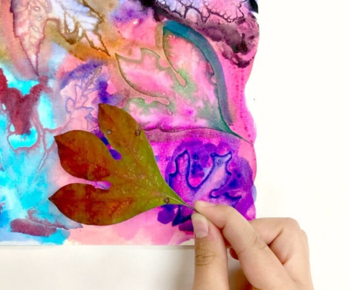fall craft using watercolors and real leaves for fall